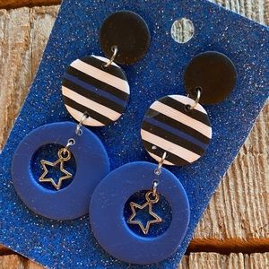 Support our first responders with this thin blue line dangle